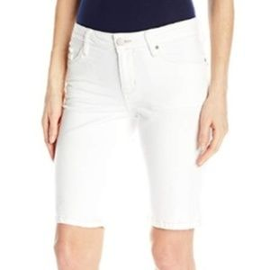 NWT Calvin Klein Jeans Denim City White Short